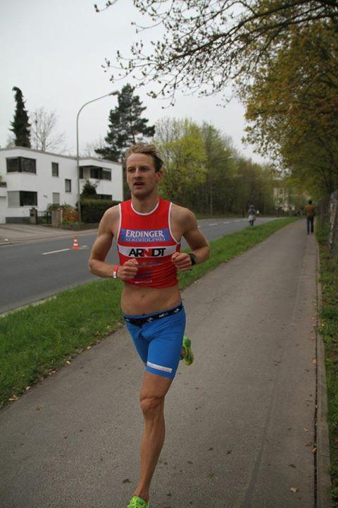 Chaos Wetter beschert PET Athleten Top Platzierungen am Steinberger See – Conrad triumphiert