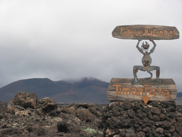 Peter Müller: Über Lanzarote nach Hawaii