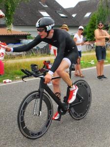 Johannes Nehls auf der Radstrecke des Datev Challenge Roth 2014