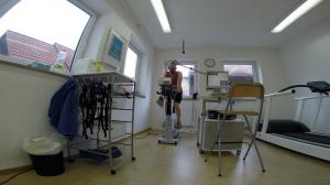 Jens Maukisch während der Spiroergometrie beim Professional Endurance Team
