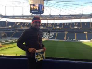 Walter Reichmuth in der Commerzbankarena beim Halbmarathon Frankfurt 2015