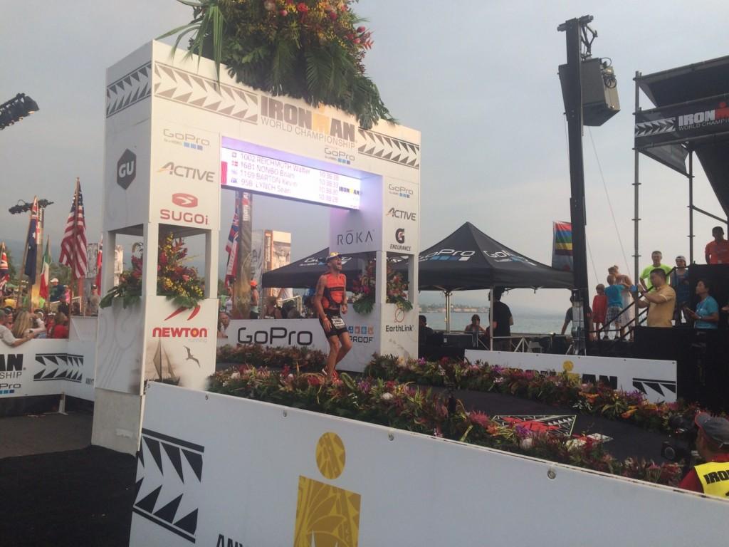 Walter Reichmut im Ziel des Ironman Hawaii 2015