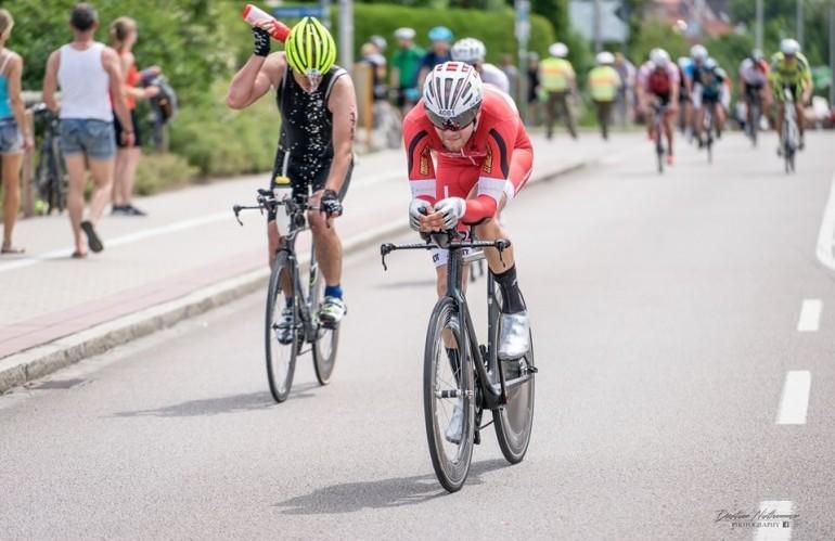 Johannes Nehls – schnellster Staffelradfahrer beim Memmert Rothsee Triathlon