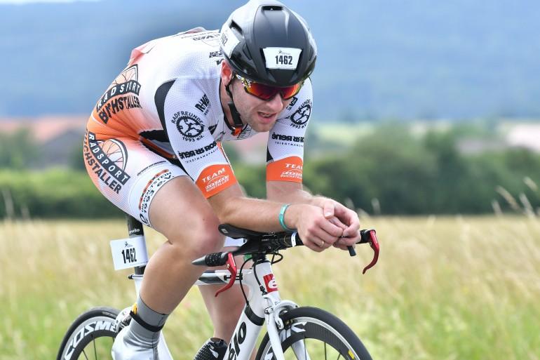 Ralf Domider – Bestzeit und zweitschnellste Staffelradzeit beim Memmert Rothsee Triathlon