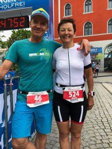 Ingrid und Georg Birkeneder im Ziel des Triathlon Ingolstadt