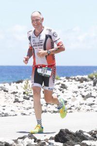 Andreas Bode auf der Laufstrecke des Ironman 70.3 Hawaii