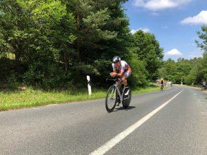 Ralf Domider auf der Radstrecke des Zeitfahrens in Schwanstetten