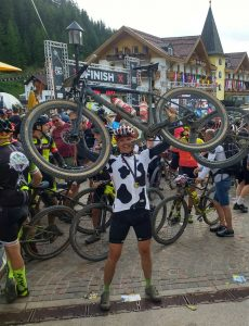 Mario Hessel im Ziel des HERO Bike Marathon
