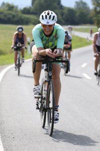 Wiebke Reineke auf der Radstrecke des Memmert Rothse Triathlons