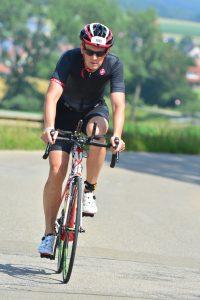 Franz Stadler auf der Radstrecke des Memmert Rothsee Triathlons
