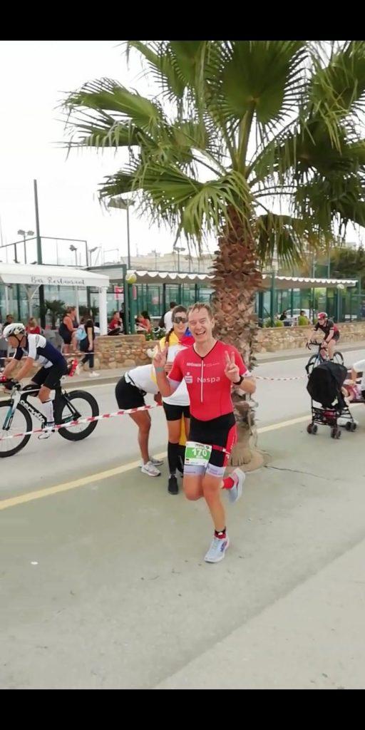 Dirk Janz auf der Laufstrecke des Ironman Barcelona