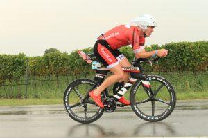 Josef Schnocklake beim Triathlon in Podersdorf