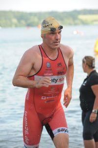 Josef Schnocklake beim Memmert Rothsee Triathlon