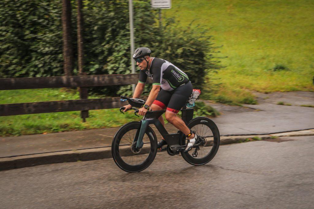 Sascha Geppert auf der Radstrecke des Allgäu Classic Triathlons